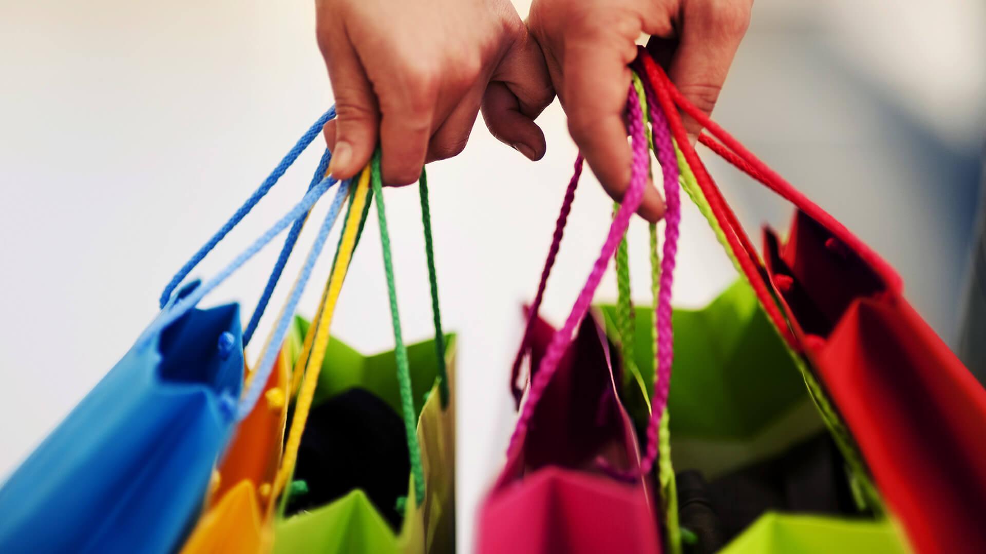 Cómo navegar por los anuncios de catálogo de productos en Shopping esta temporada navideña
