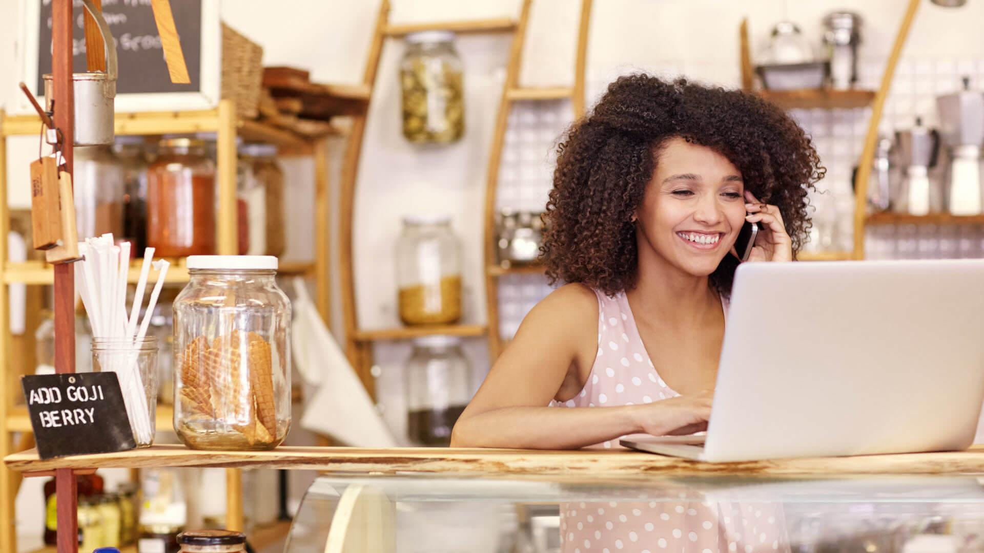 """Cómo los servicios de marketing """"Do It With Me"""" pueden ayudar a las pymes a acceder a las últimas prácticas de marketing"""
