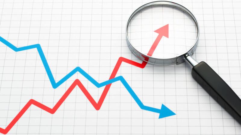 gráfico-línea-análisis de tendencias-lupa-ss-1920
