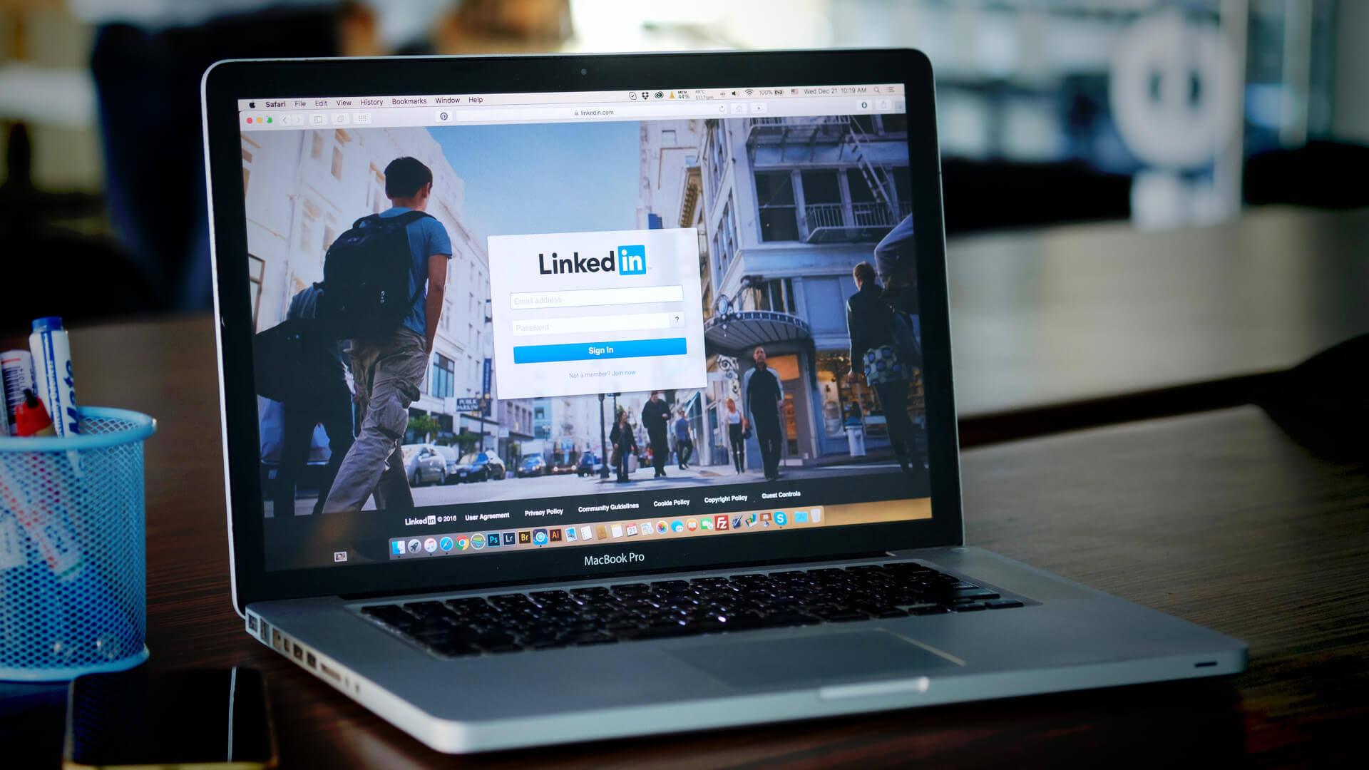 Cómo utilizar las nuevas opciones de segmentación de empresas de LinkedIn Ads para impulsar la generación de leads B2B