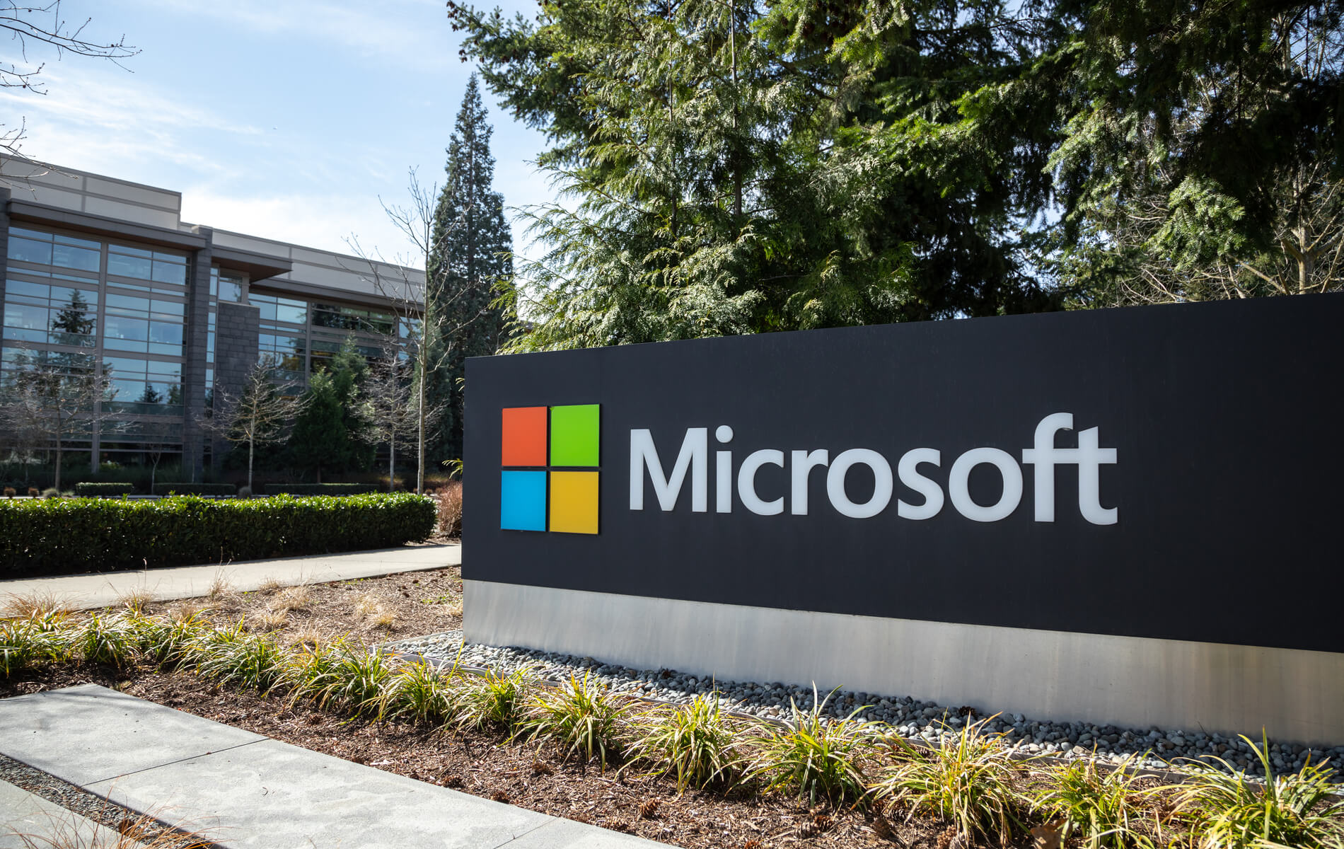 Microsoft Advertising expande el perfil de LinkedIn, el remarketing dinámico y la orientación a la audiencia en el mercado